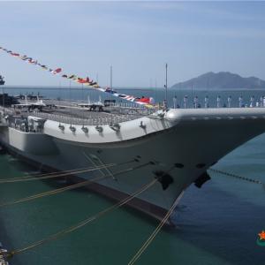 我国第一艘国产航空母舰入列